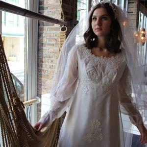 Vintage 1960's White Floral Applique Bridal Gown